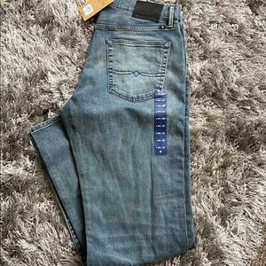 Lucky Brand men's denim jeans 221 straight